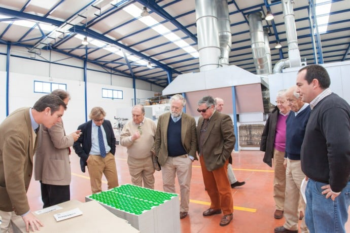 Osborne visita la nueva planta de litografía Metalgráficas | Torrent Closures